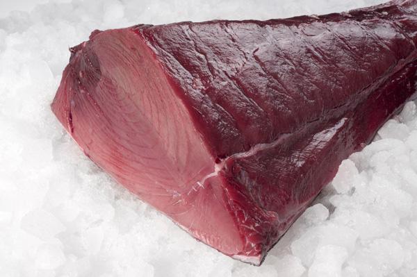 cola negra de atun rojo cortada